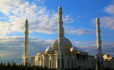 Are Muslims Tying to Take Over the World?