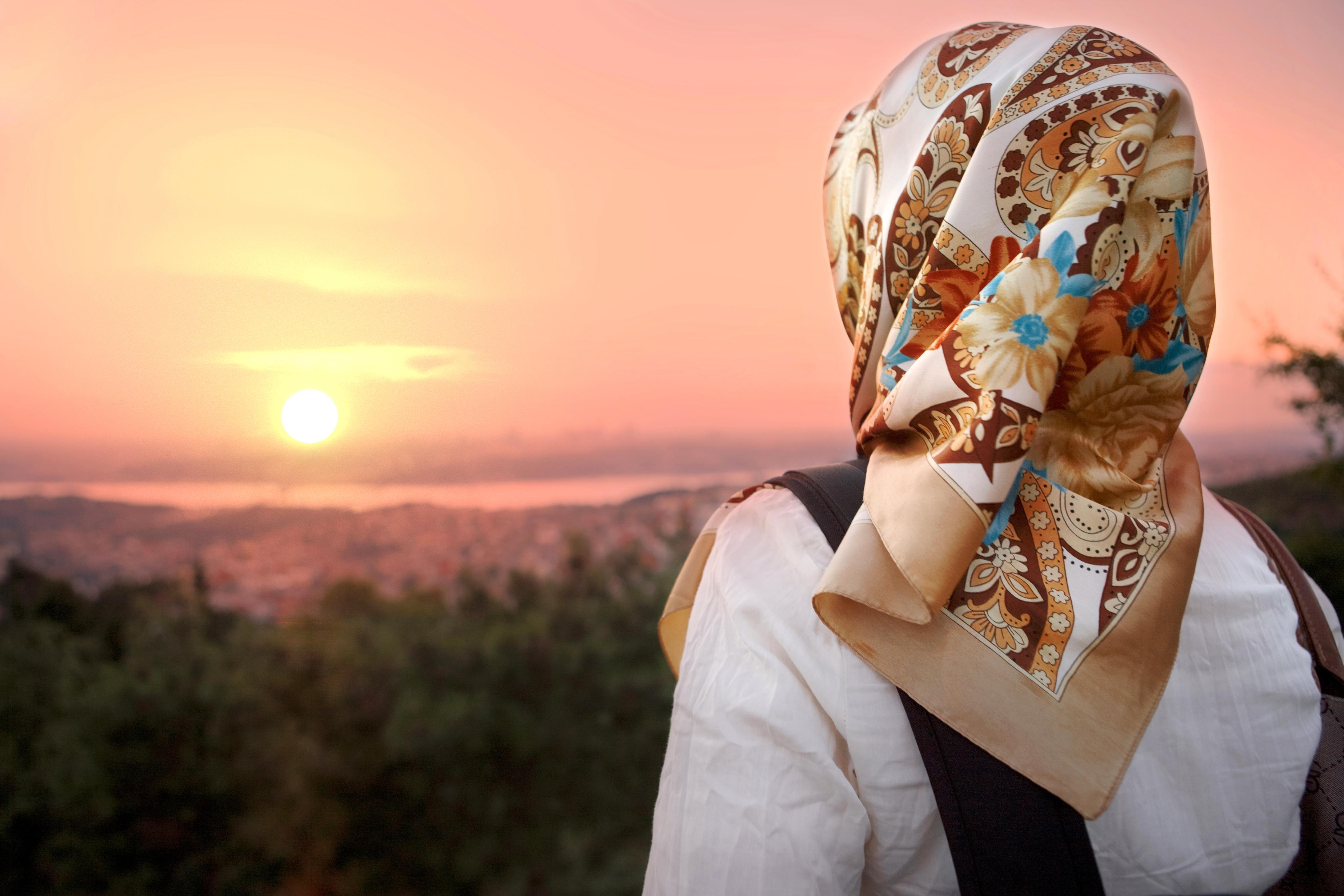 Красивые фото мусульманка девушек со спины